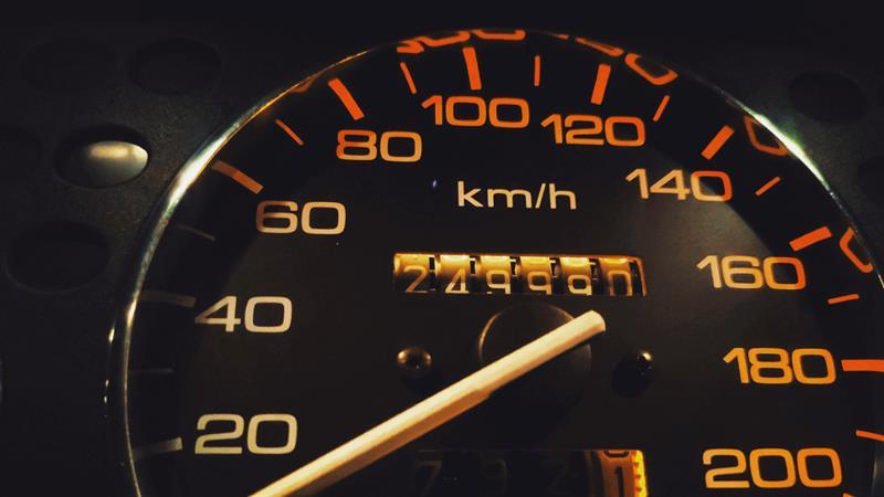 Quilometragem de carro: como ela influencia na venda ou compra de um seminovo?