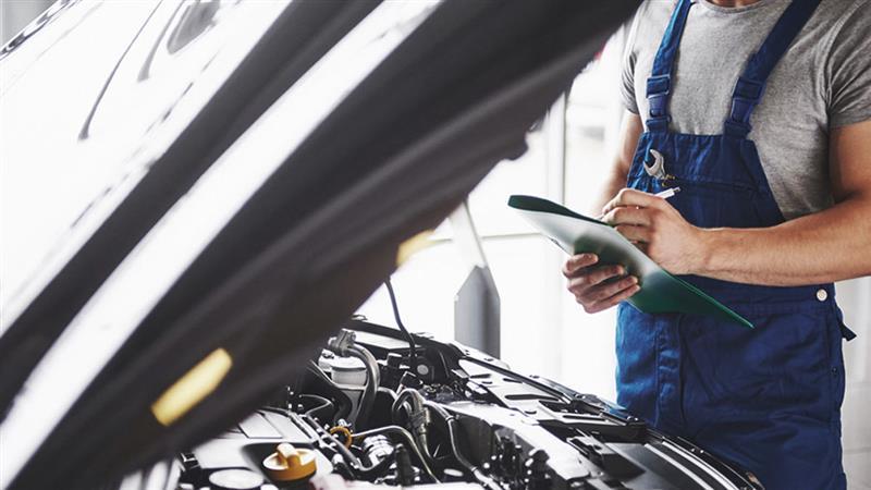 Como a revisão previne acidentes de carro