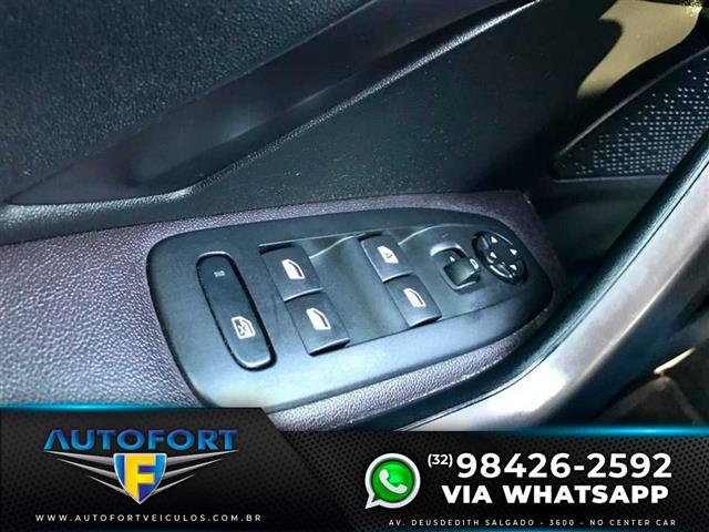 Peugeot 2008 Griffe 1.6 Flex 16V 5p Mec. 2016/2017