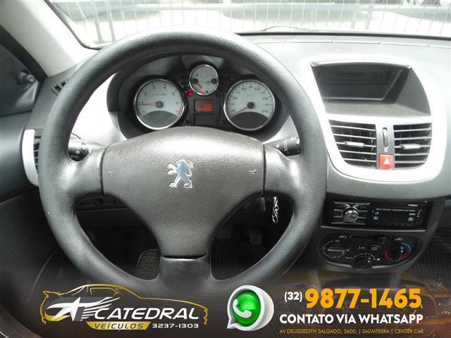 Peugeot 207 XR 1.4 Flex 8V 5p 2011/2012