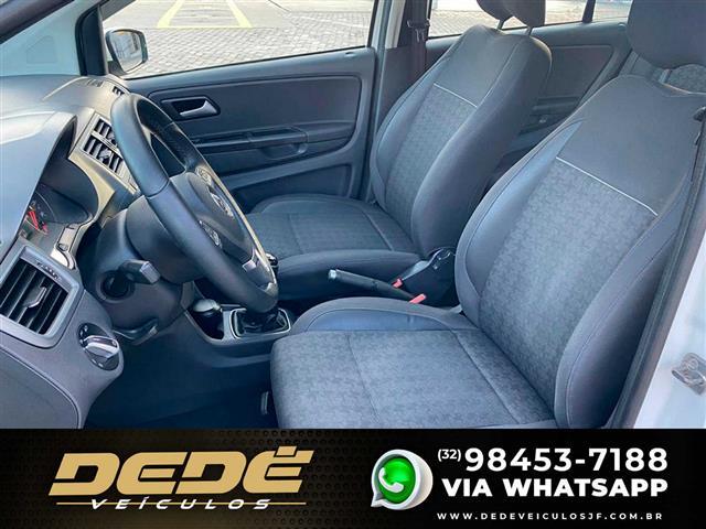 VolksWagen Fox Comfortline 1.6 Flex 8V 5p 2014/2015