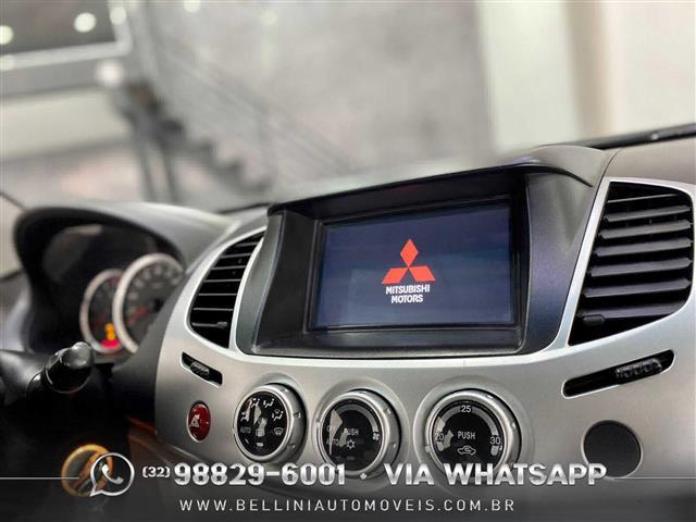 Mitsubishi L200 Triton HPE 3.2 CD TB Int.Diesel Aut 2013/2014