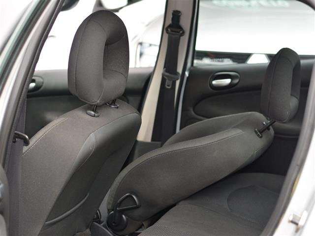 Peugeot 207 Sedan Passion XS 1.6 Flex 16V 4p 2011/2011