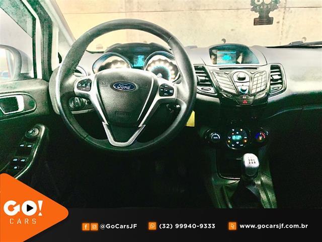 Fiesta TITANIUM 1.6 16V Flex Mec. 2017/2017