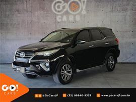 Toyota Hilux SW4 SRX 4x4 2.8 TDI 16V Dies. Aut. 2016/2016