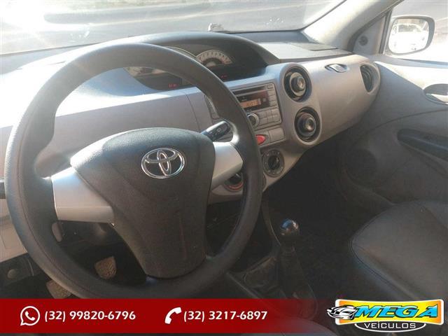 Toyota ETIOS XS  1.3 Flex 16V 5p Mec. 2012/2013