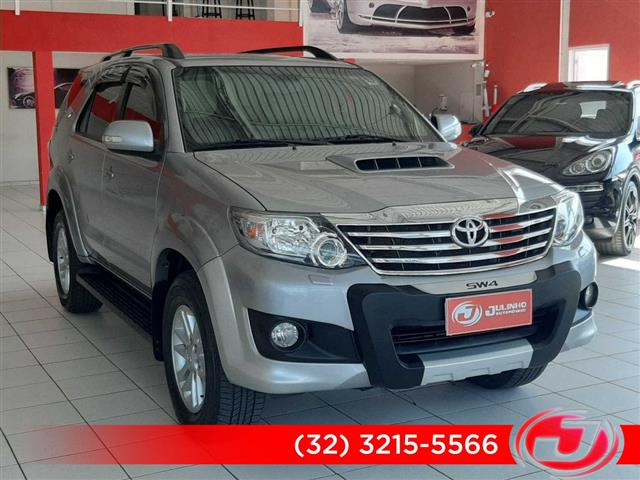 Toyota Hilux SW4 SRV D4-D 4x4 3.0 TDI Dies. Aut 2015/2015