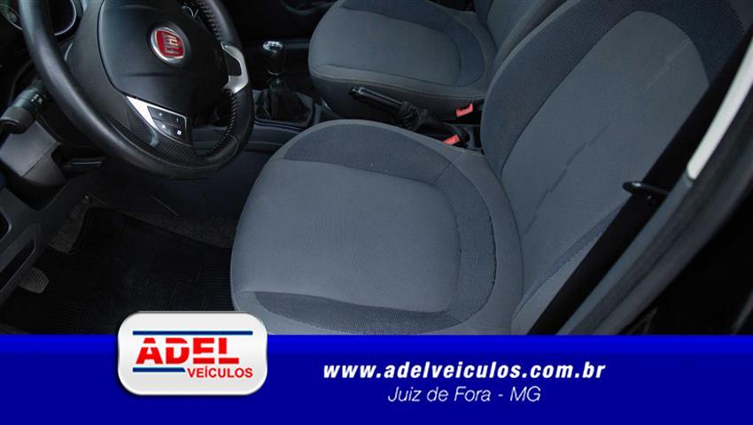 Fiat Punto ATTRACTIVE 1.4 Fire Flex 8V 5p 2014/2013