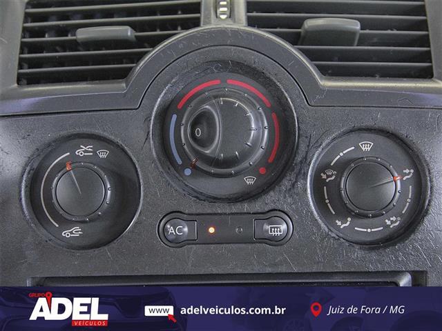 Renault Megane Sed. Expression 2.0 16V Mec. 2008/2008