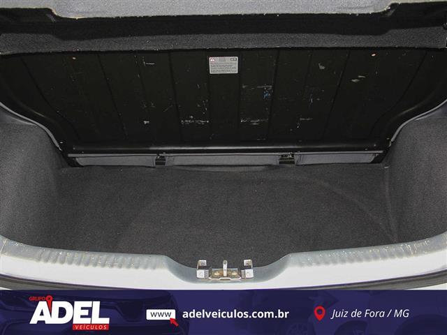VolksWagen Fox 1.6 Mi Total Flex 8V 5p 2011/2012