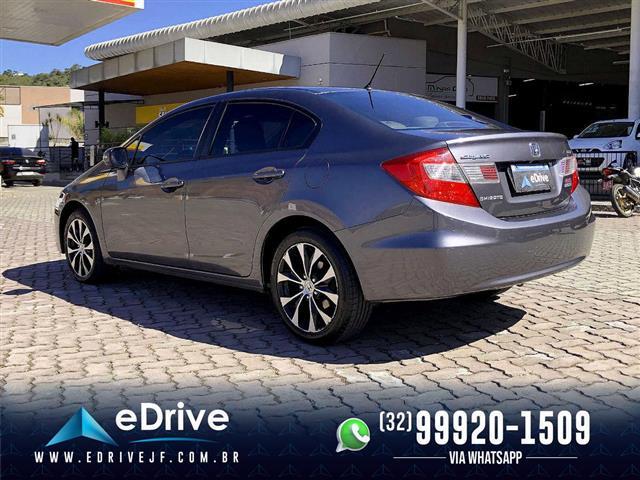 Honda Civic Sedan LXR 2.0 Flexone 16V Aut. 4p 2014/2015