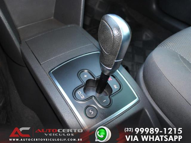 VolksWagen Polo Sedan I MOTION  1.6 Total Flex  4p 2009/2010