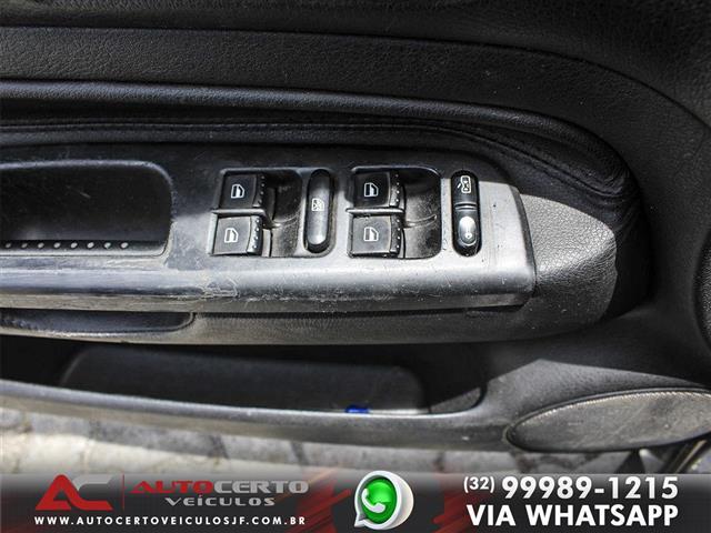 VolksWagen Golf Sportline 2.0 Mi Total F. 8V Tip. 2012/2013